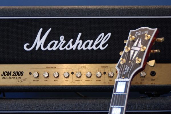 marshall amp with les paul